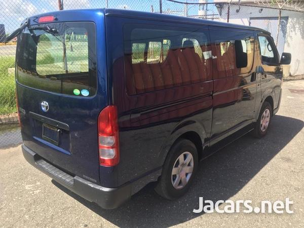 Toyota Hiace Bus 2,0L 2016-7