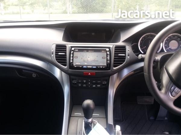 Honda Accord 2,0L 2011-6