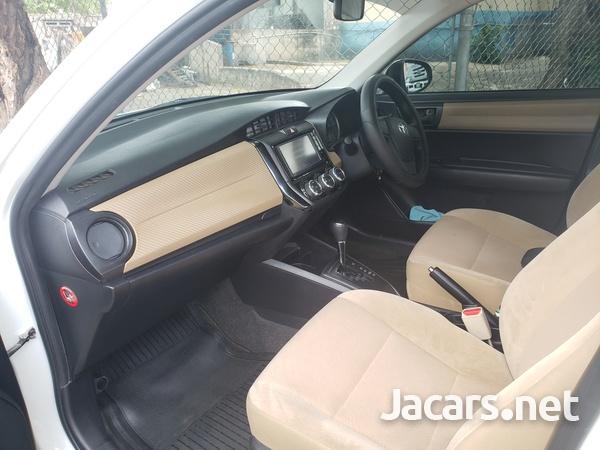 Toyota Axio 1,2L 2015-4