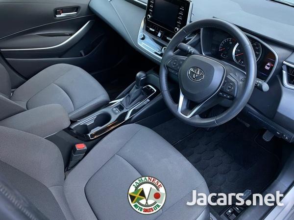 Toyota Corolla 1,8L 2019-8