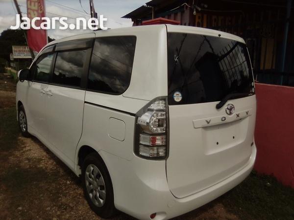 Toyota Voxy 1,8L 2011-2