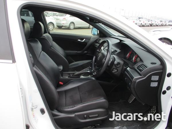 Honda Accord 1,3L 2013-4