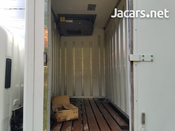 2007 Isuzu Box Body Refrigerated Truck-3