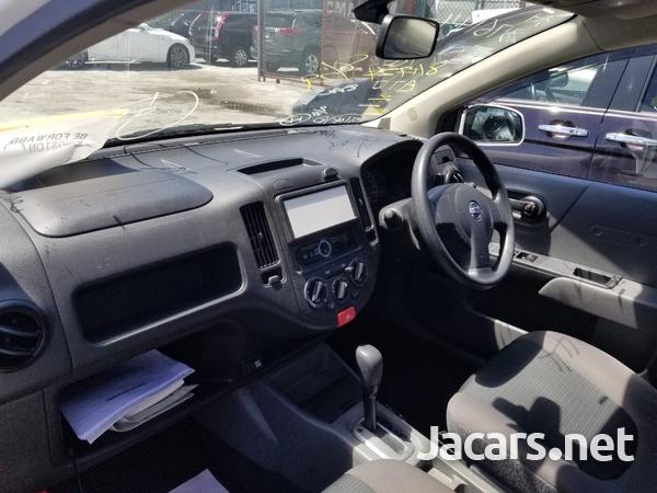 Nissan AD Wagon 1,5L 2015-6