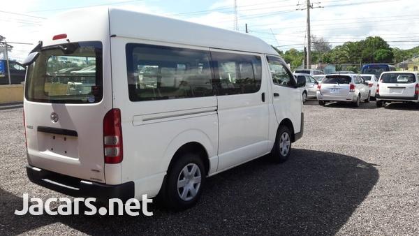 Toyota Hiace 2,7L 2015-4