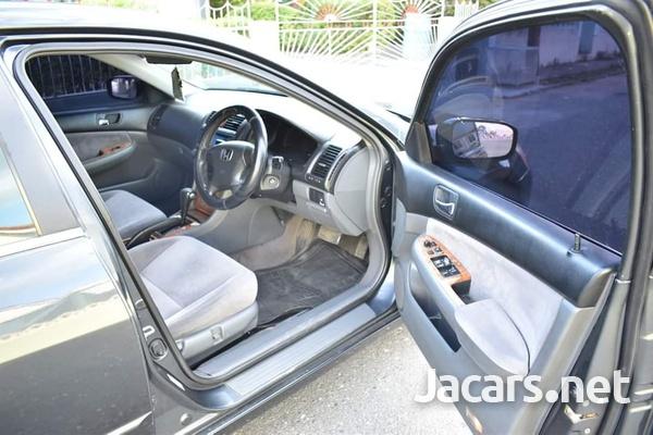 Honda Accord 2,0L 2003-8
