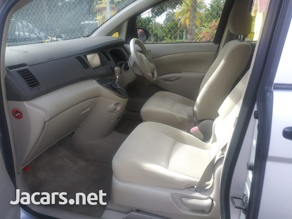 Toyota Isis 2,0L 2015-5