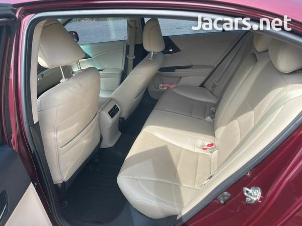 Honda Accord 0,6L 2017-8
