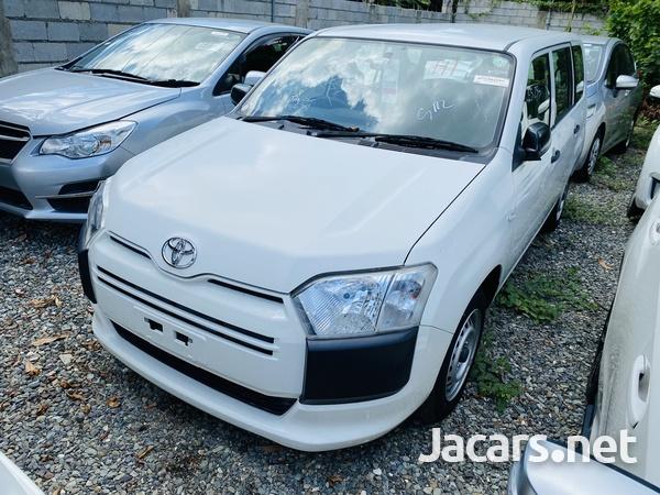 Toyota Probox 1,4L 2016-1