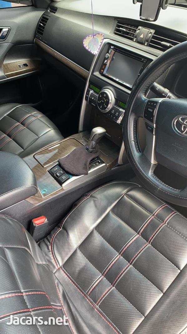 Toyota Mark X 2,5L 2013-7
