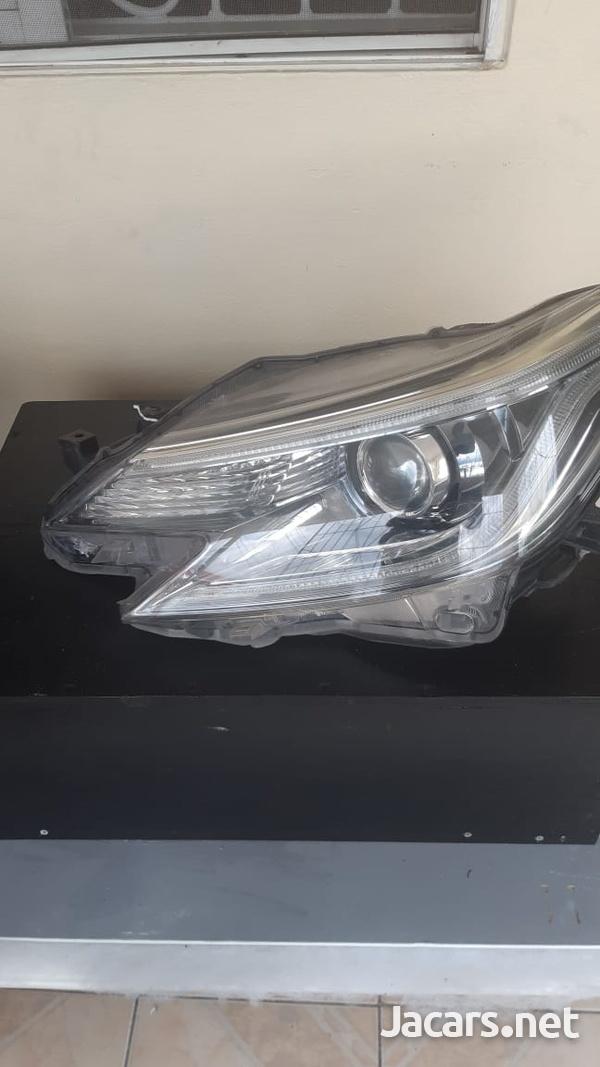 Left Mark X headlamp