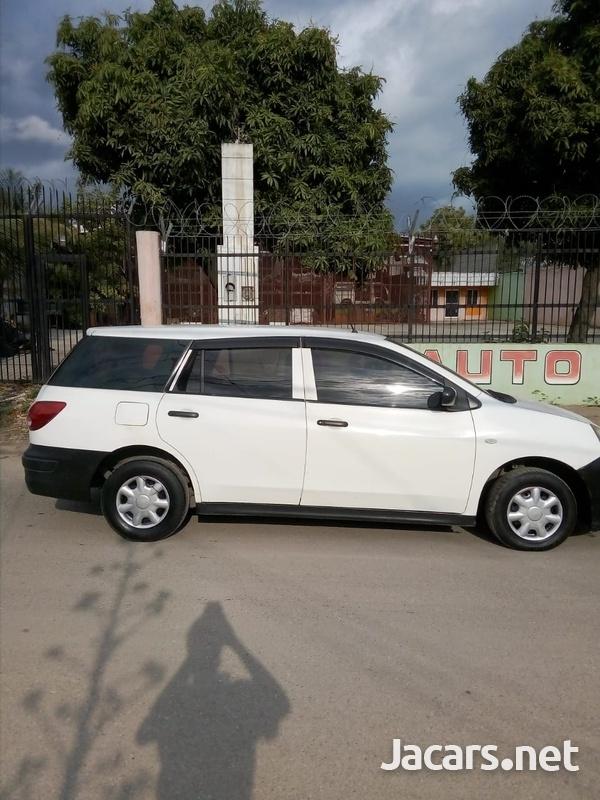 Nissan AD Wagon 1,5L 2010-5