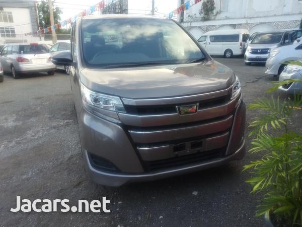 Toyota Noah 2,0L 2018-2