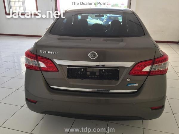 Nissan Sylphy 1,6L 2015-3