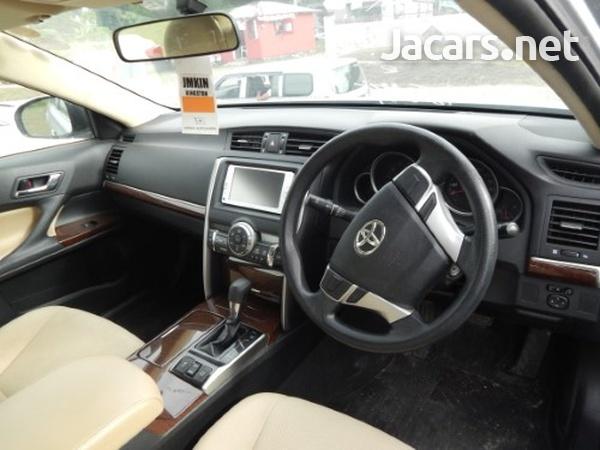 Toyota Mark X 2,5L 2014-4