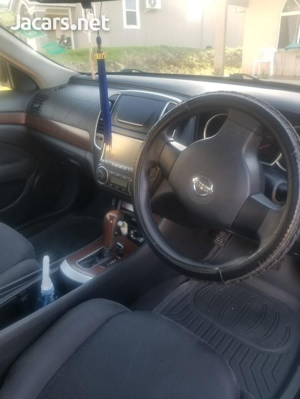 Nissan Bluebird 1,6L 2010-3
