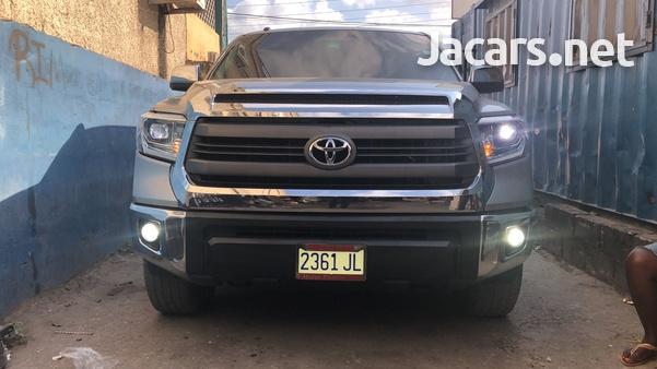 Toyota Tundra 5,7L 2014-4