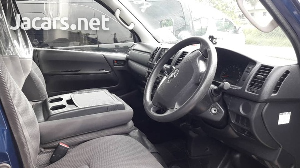 Toyota Hiace 2,7L 2014-5