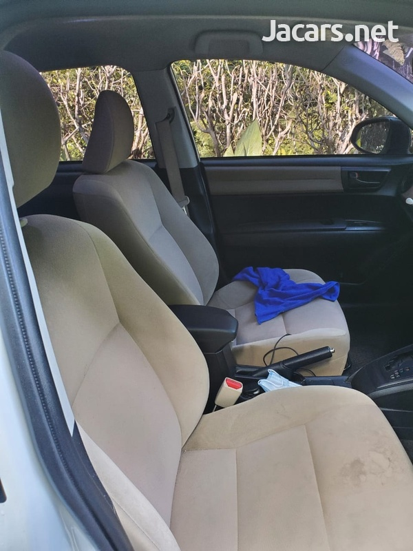 Toyota Axio 1,5L 2014-9