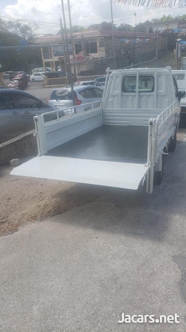 2011 Madza Bongo Truck-4