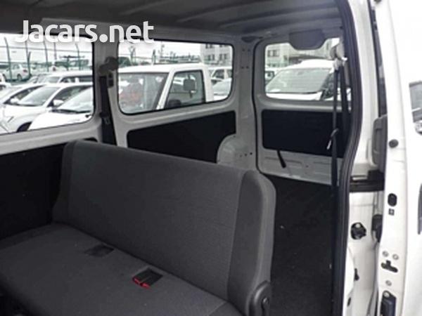Nissan Caravan 2,0L 2016-3