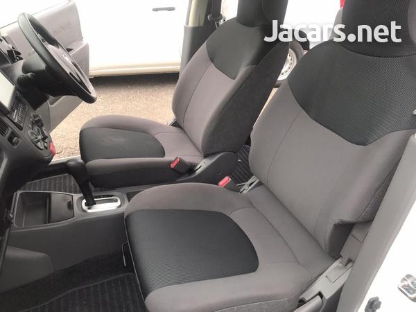 Nissan AD Wagon 1,4L 2014-7