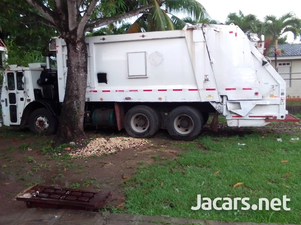 2009 Mack Leu Garbage Truck-3