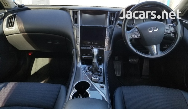Nissan Skyline 3,5L 2015-3