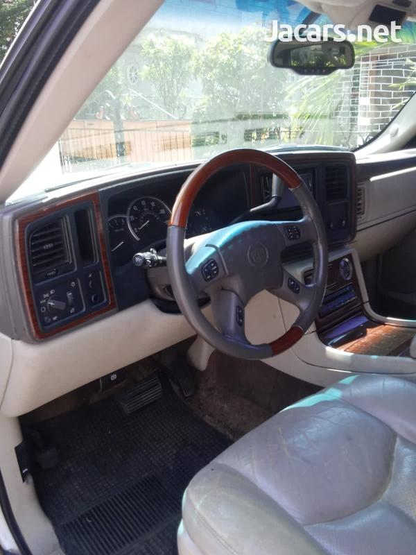 Cadillac Escalade 6,0L 2003-6