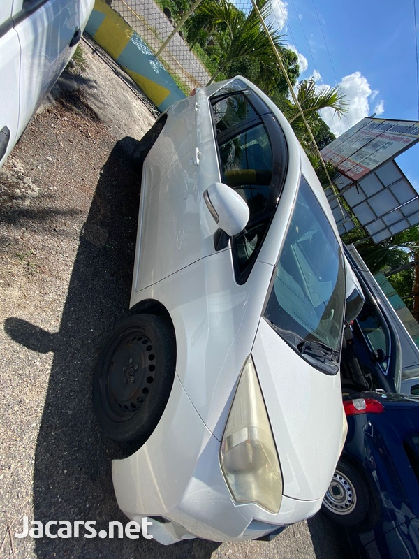 Toyota Ractis 1,3L 2013-2