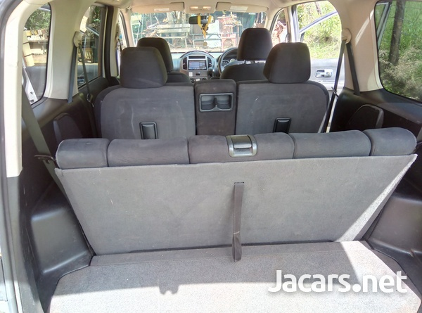 Nissan LaFesta 2,0L 2011-8