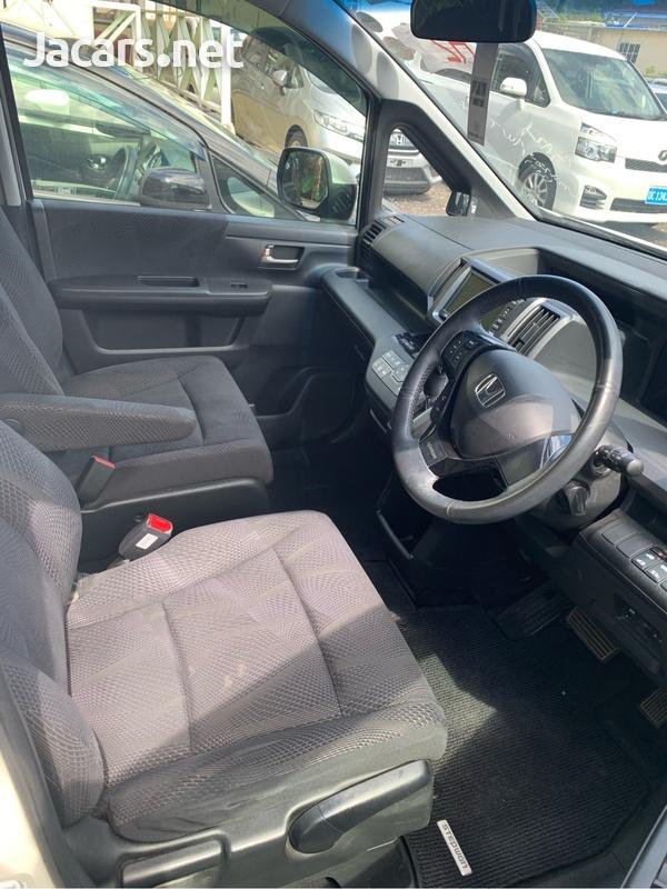 Honda Step wagon 1,9L 2012-2