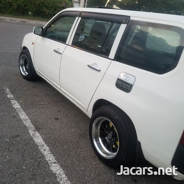 Toyota Probox 1,4L 2011-3