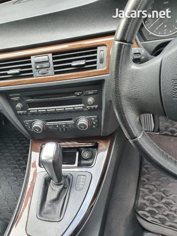 BMW 3-Series 2,0L 2009-3