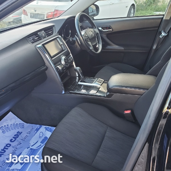 Toyota Mark X 2,4L 2011-8