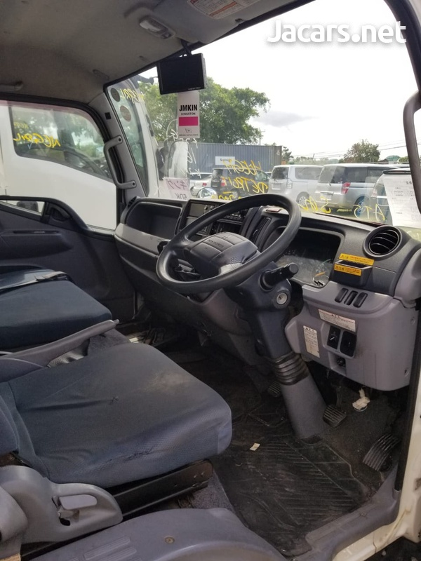 2014 Mitsubishi Fuso Truck-2