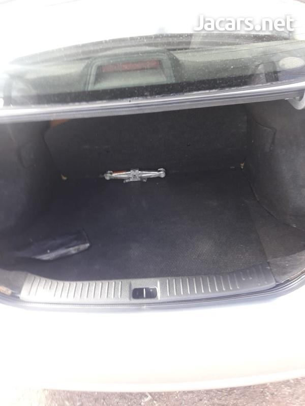 Nissan Tiida 1,8L 2008-6