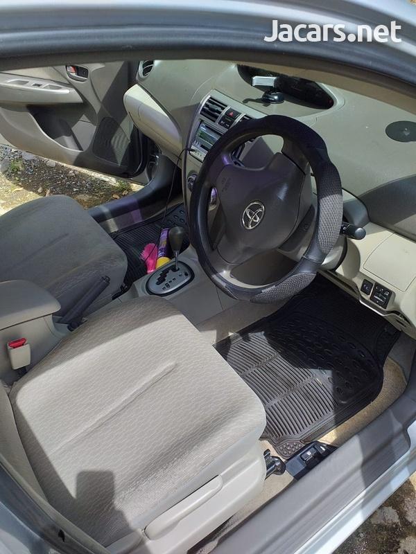 Toyota Belta 1,3L 2010-9