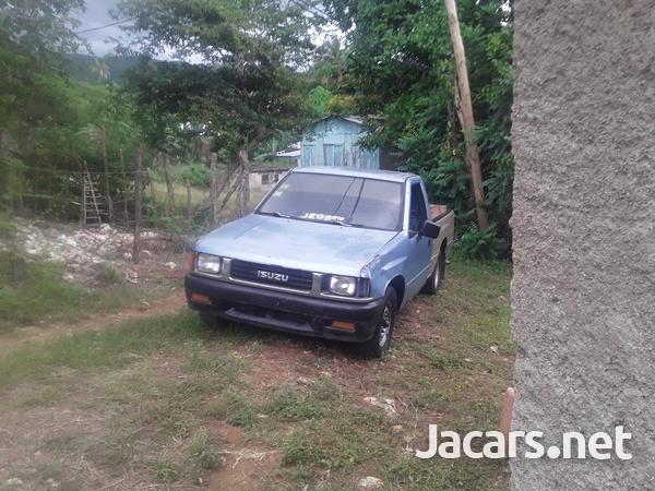 Isuzu Pick-up 2,6L 1991-5