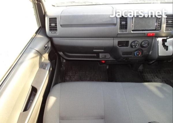 Toyota Hiace 3,0L 2016-10