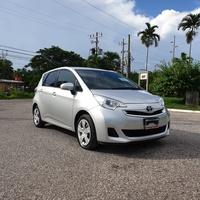Toyota Ractis 1,3L 2014
