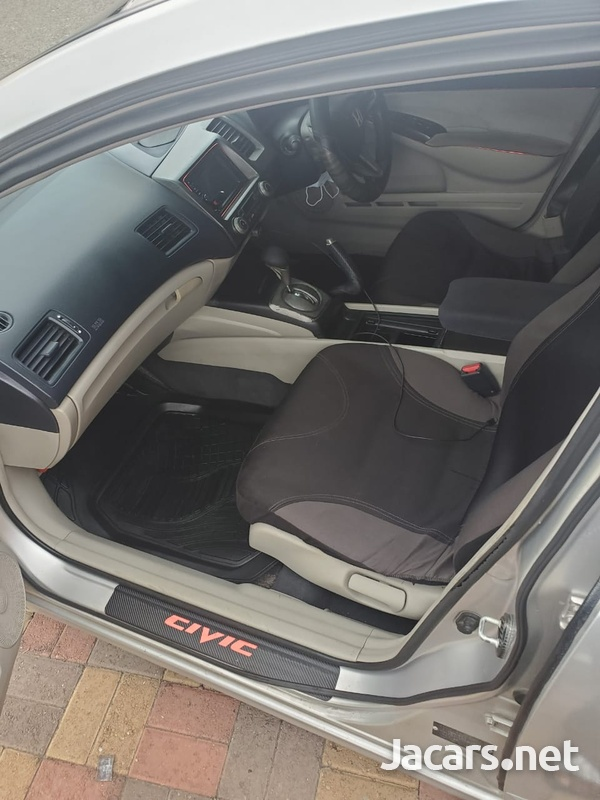 Honda Civic 1,8L 2007-5