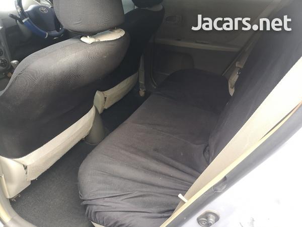 Toyota Vitz 1,5L 2010-7
