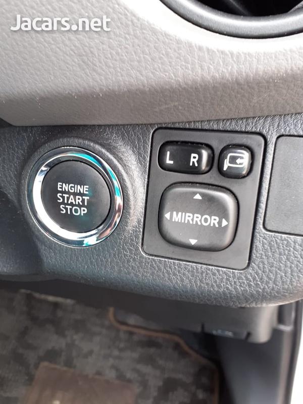 Toyota Vitz 1,3L 2015-15