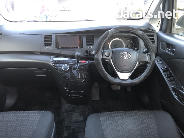 Toyota Isis 1,8L 2012-12