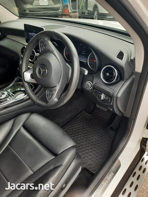 Mercedes-Benz GLC-Class 2,0L 2017-8