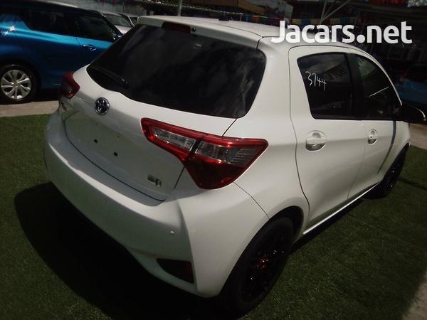 Toyota Vitz 1,3L 2019-5