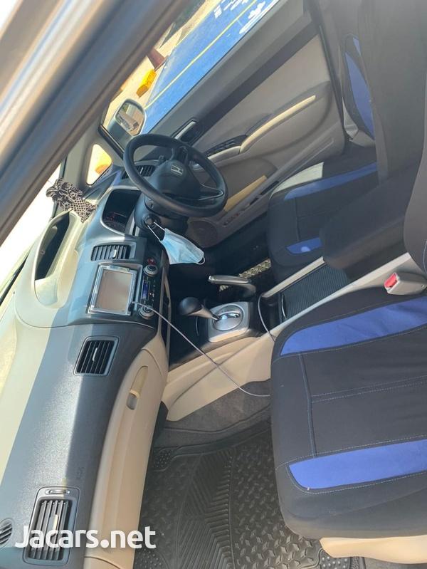 Honda Civic 1,3L 2010-6