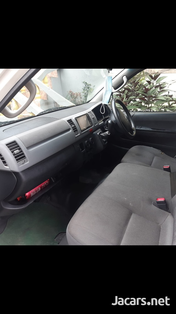 2011 Toyota Hiace Mini Bus-5
