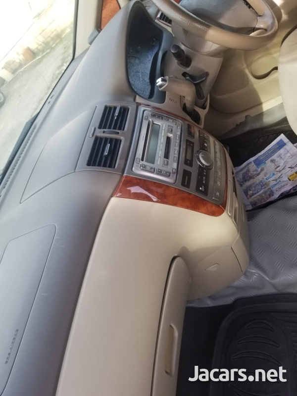 Toyota Ipsum 2,0L 2009-7